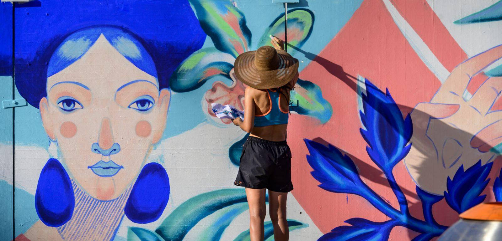 Zehn Künstlerinnen und Künstler verwandeln den Berliner Alexanderplatz in eine Street-Art-Galerie